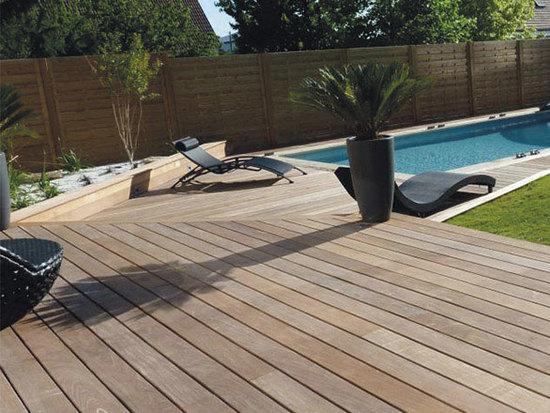 Terrasse en teck piscine